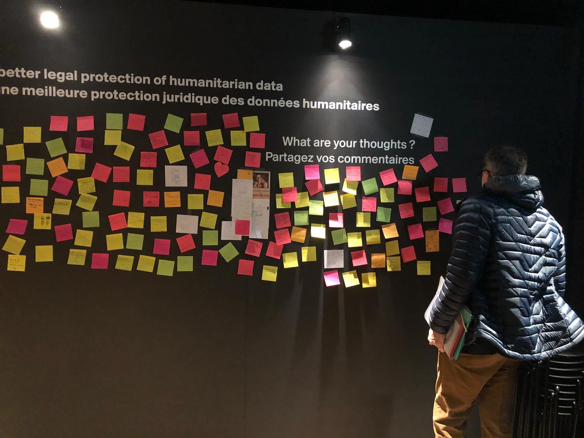 Comment sharing wall inside the digital transformation installation at Place des Nations, December 2019 - Picture: Céline Saugy